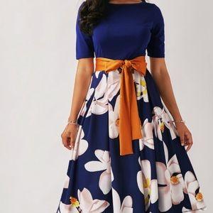 Dresses & Skirts - NEW Floral print dress Sz M